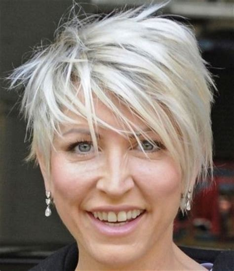 short hairstyles for women over 50 buzzle choppy hairstyles for women over 50 short choppy