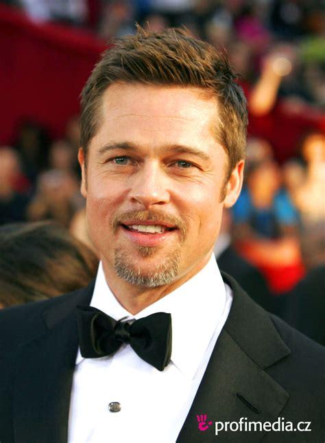 Pitt On by Brad Pitt Peinado De
