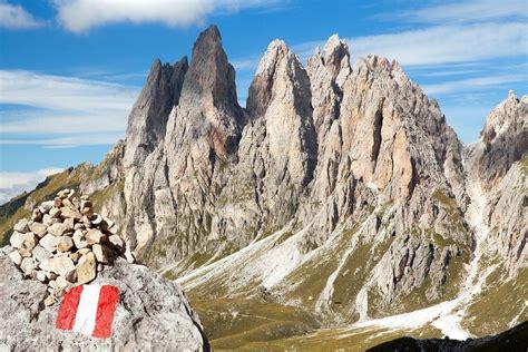 alta via 2 dolomitas ascenso a la marmolada alta via 2 dolomitas nomadatrek