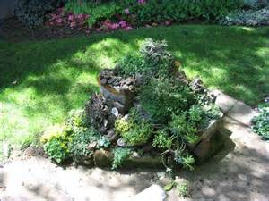 Small Rock Garden Small Rock Garden Planted With Sedum Garden Landscape Ideas Des