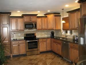 Kitchen Crown Moulding Ideas by Best 25 Raised Ranch Kitchen Ideas Ideas On Pinterest