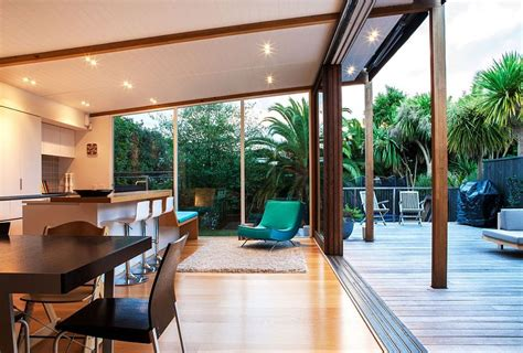 Urban Garden Phoenix - auckland bungalow with modern glass and timber extension