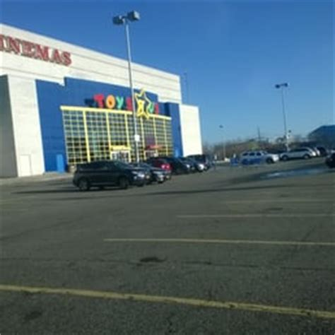 lighting stores queens ny toys r us 14 photos 31 reviews toy stores 30 02