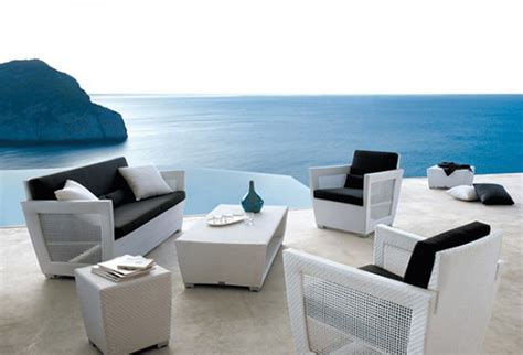 Modern Outdoor Furniture Modern Patio Furniture With Chic Treatment For Fancy House