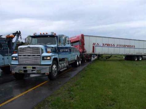 of trucks crashing big truck crashes sooo must see
