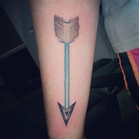 tattoo feather arrow green arrow tattoo with feather on forearm tattoos