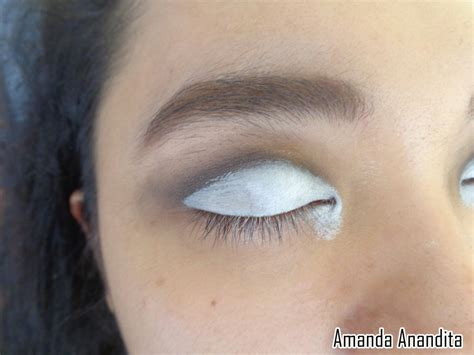 Eyeshadow Biru Tua tips cantik by amanda an blue
