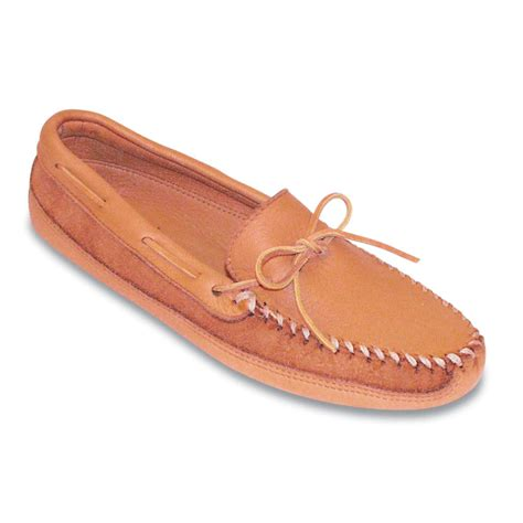 moosehide slippers s minnetonka moccasins 174 bottom softsole