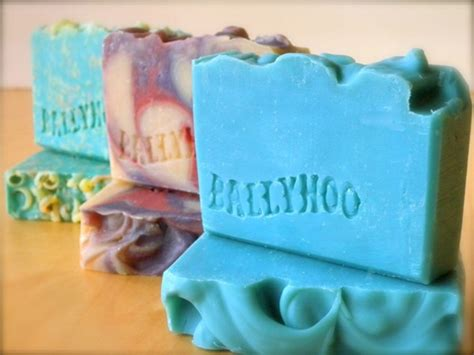 Handmade Soap Tutorial - 10 great diy soap tutorials the handmade gift