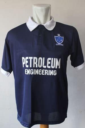 Baju Bola Warna Biru iniloh desain baju bola terbaru
