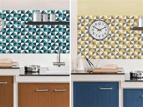 piastrelle colorate per cucina piastrelle in cucina meglio adesive la casa in ordine