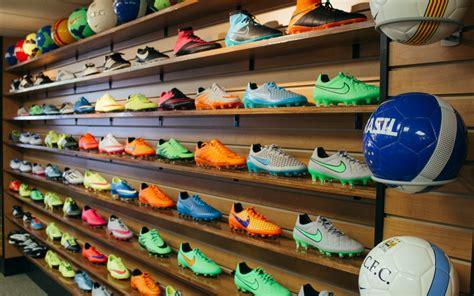 locker room sports store locker room sports store soccer shop soccer city sports center achetez une casquette