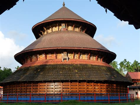 Vernacular Architecture Of Kerala Essays by The Madhur Temple Is One Of The Most Ganapathi Temples Of Six Ganpathi Temples Of Ancient