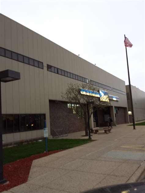 Milwaukee Post Office by Us Post Office 12 Reviews Post Offices 3902