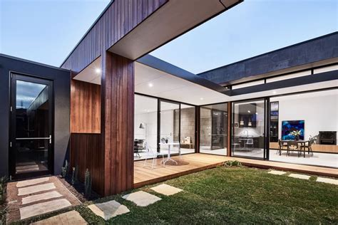 courtyard home 2018 the courtyard house auhaus architecture archdaily
