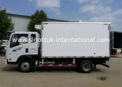 Box Truk Freezer small cargo cold storage 8 ton refrigerated truck for dairy freezer box truck