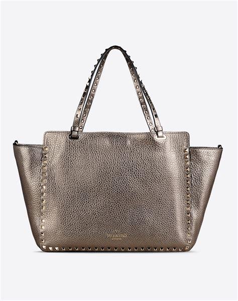 Natasia Ali Bronze Metallic Tote Bag by Valentino Rockstud Metallic Large Tote Bag In Metallic Lyst