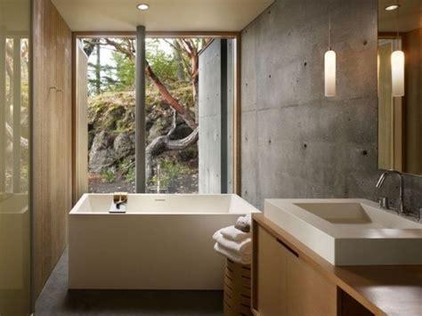bad wände ohne fliesen bad ohne fliesen sichtbeton wand holz badm 246 bel badewanne