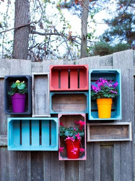 cheap ways to decorate your backyard 25 ideas for decorating your garden fence