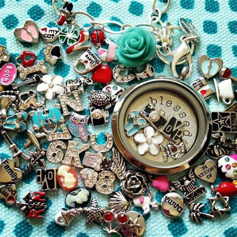 How Many Charms Fit In An Origami Owl Locket - tell your story with a living locket origami owl stuff