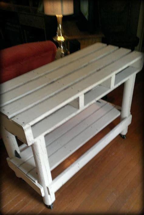 diy cozy pallet entry  table  pallets