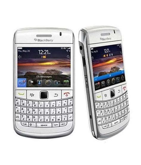 blackberry onyx1 white and black blackberry bold 3 9780 white mobile phones at low