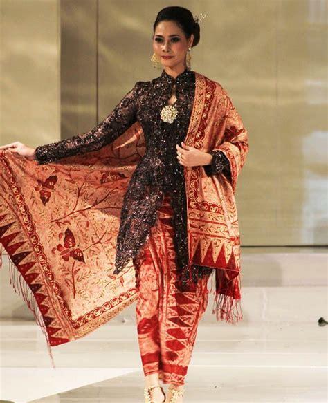 Baju Negara India Kostum Karnaval Baju Pawai bermacam macam pakaian adat kota istimewa yogyakarta