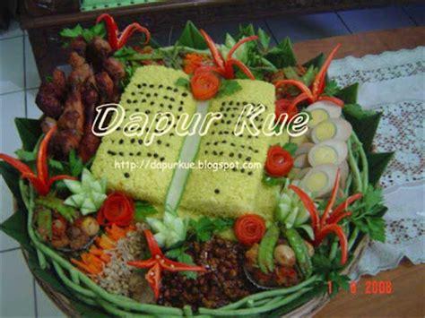 Menerima Pesanan Kue Ultah Wedding N Event Lainnya dapur kue jogja b day nasi kuning