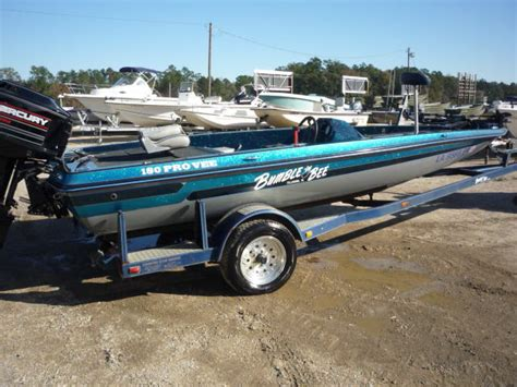 bumble bee bass boats bing images - Bumble Bee Bass Boat