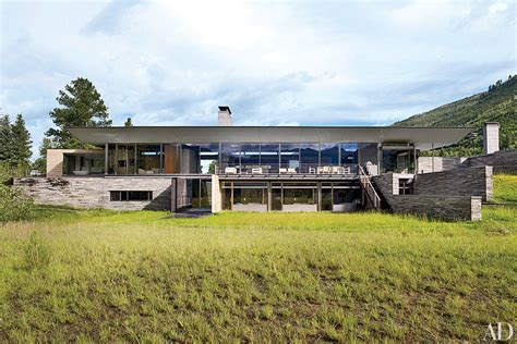 modern mountain homes via architectural digest go inside 7 spectacular mountain homes huffpost