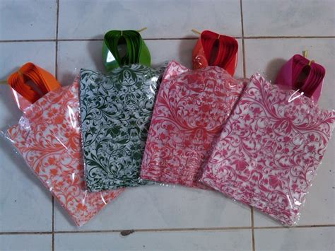 Kantong Plastik Soft Handle Motif Batik Hd Pe Uk 23x25 Isi 50 jual kantong packing plastik soft handle motif batik