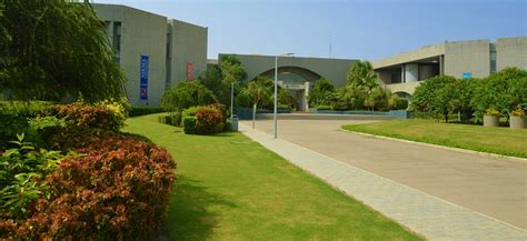 Mba Colleges In Ahmedabad And Gandhinagar by Top Mba Colleges In Ahmedabad Getentrance