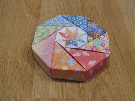 Origami Octagonal Box - origami classes japan australia friendship association