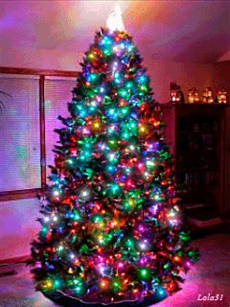 gif wallpaper on iphone tap image for more christmas wallpapers christmas tree