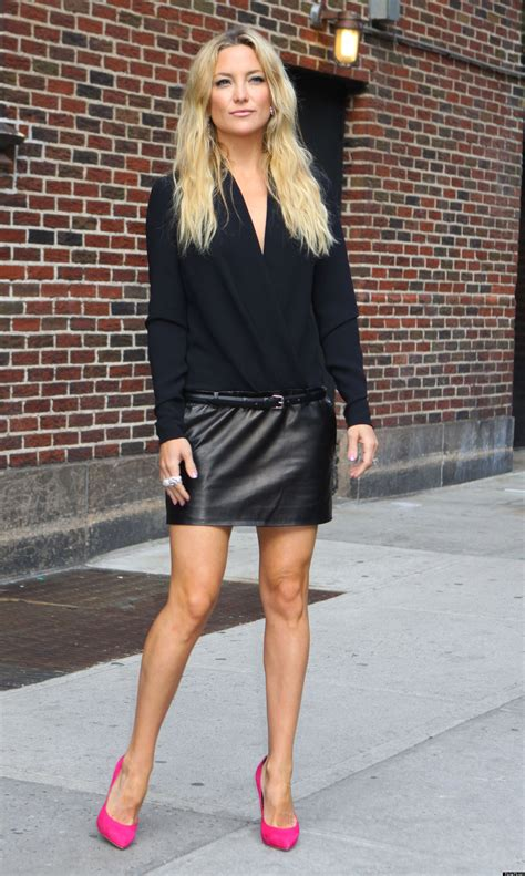 kate hudson s legs take the late show in