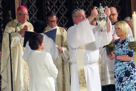 life dignity english diocese of sacramento diocese celebrates mass of the chrism intermountain catholic