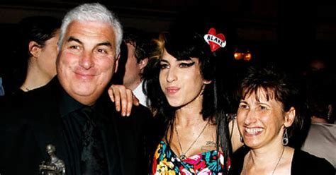Winehouses Speaks Out by Winehouse S Parents Speak Out She Leaves A