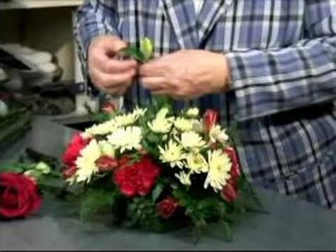 how to make a floral arrangement how to make a table flower arrangement tips for making