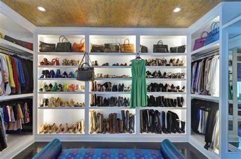 begehbares ankleidezimmer ideen begehbarer kleiderschrank ideen verschiedene designs und