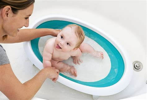 bathing baby in bathtub the only baby bathtubs you want to bathe your baby in