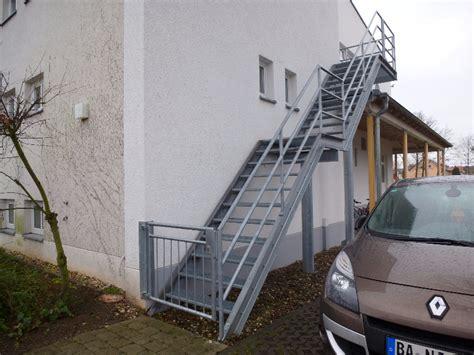 wendeltreppe geländer treppe design platzsparend