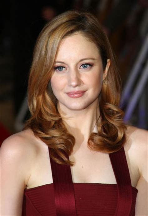 francoise hardy weight height andrea riseborough bra size age weight height