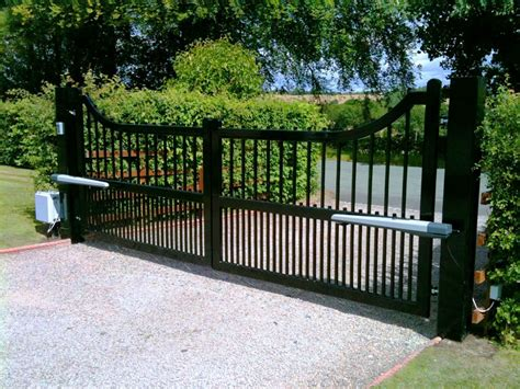 automated swing gates automated swing and sliding gates heartlands metalcraft