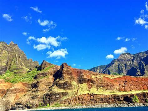 liko kauai boat tours entering the sea cave picture of liko kauai cruises