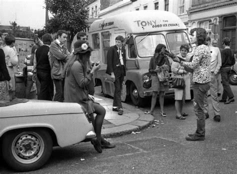 swinging london 1960s swinging sixties london 21 amazing black and white
