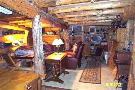 underground  house photo story