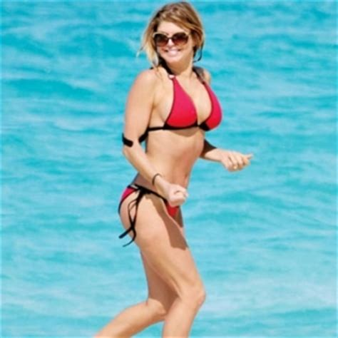 fergie reveals tricks to abs in self magazine july 2012