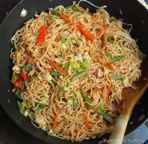vegetable and egg noodles