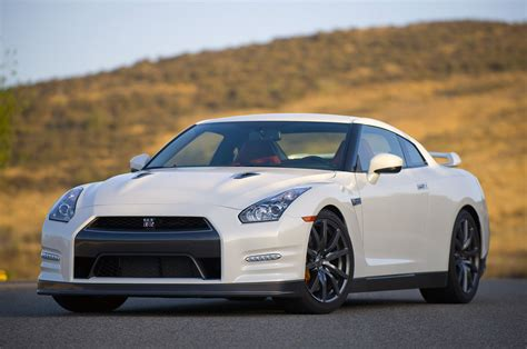 2014 nissan gtr 2014 nissan gt r review photo gallery autoblog