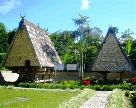 tambi rumah adat tempat tinggal pariwisata poso